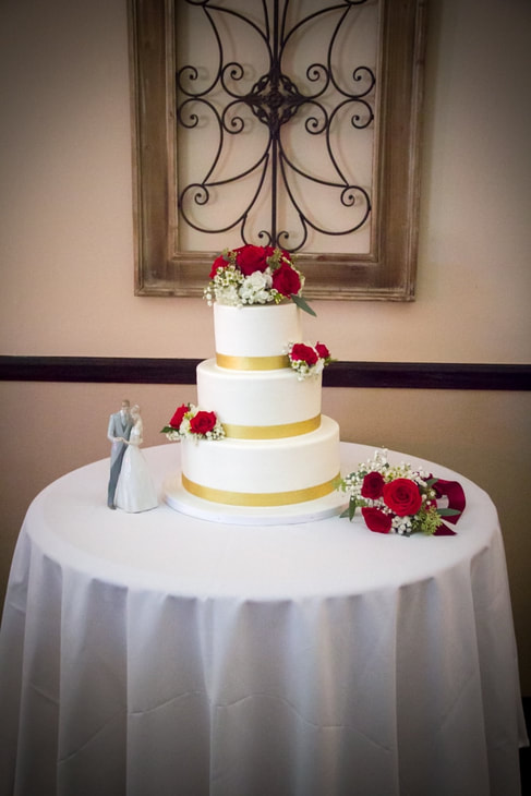 Classic wedding Cake by Simply Cakes Ect Bakery in Riverside CA